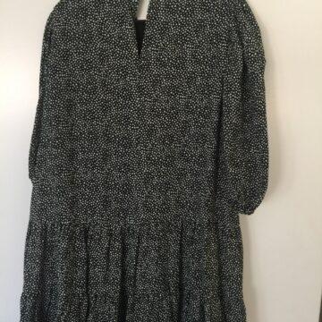Schwarzes Dress Rückseite